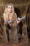 Blonde Frau mit Schuhen Lizenzfreie Stockbilder