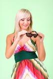 Blonde Frau mit Sonnenbrillen Stockbilder