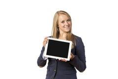 Blonde Frau mit Tablet-Computer Stockbild