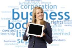 Blonde Frau mit Tablet-Computer Stockbilder