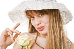 Blonde Frau mit Tee stieg Lizenzfreies Stockbild