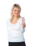 Blonde Frau mit zwei Daumen oben mit einem Lachen Lizenzfreies Stockfoto