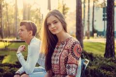 Blonde Frau und ihr Freund Stockbild