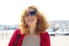 blonde Frauen in den Sonnenbrillen Lizenzfreie Stockbilder