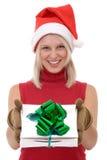 Blonde Frauen und ein Geschenkkasten Stockfotografie
