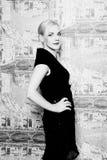Blonde Frauenaufstellung Schwarzweiss Lizenzfreies Stockbild