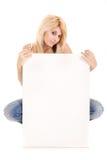 Blonde Frauenvertretungsanzeige Stockfoto