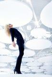 Blonde futuristische uitstekende sexy vrouw in zwarte Royalty-vrije Stock Afbeeldingen