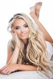 Blonde glimlachende vrouw royalty-vrije stock foto's