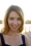 Blonde Grote Glimlachen Stock Fotografie