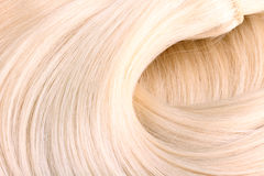 Blonde haaruitbreiding royalty-vrije stock afbeelding