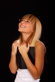 Blonde hermoso en negro Imagen de archivo
