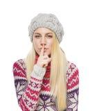 Blonde hermoso en ropa del invierno Imagen de archivo libre de regalías
