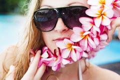 Blonde joven hermoso imagen de archivo libre de regalías