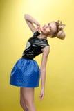 Blonde joven hermoso con el pelo brillante Fotos de archivo libres de regalías