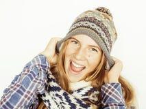 Blonde Jugendliche der Junge recht im Winterhut und Lizenzfreies Stockfoto