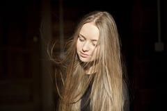 Blonde junge Frau Stockbild