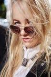 Blonde junge Frau Stockfotos