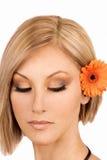 Blonde junge Frau mit Make-up Lizenzfreie Stockfotos