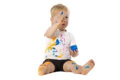Blonde Kinderfarbenspiele Stockbilder