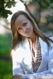 Blonde langhaarige erwachsene Frau Stockbilder