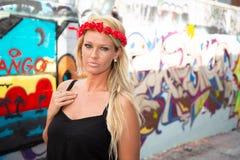 Blonde M?dchenfrau stockfotos