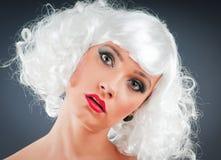 Blonde Marionette im Studio Lizenzfreie Stockfotografie