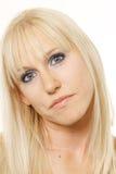 Blonde met overgeheld hoofd Stock Fotografie