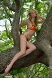 Blonde Mode-Modell-Aufstellung künstlerisch Lizenzfreies Stockfoto