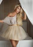 Blonde moderne Damenaufstellung Lizenzfreie Stockbilder