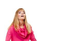 Blonde moderne Frau in der rosa Bluse Stockbilder