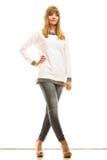 Blonde moderne Frau im weißen Hemd Lizenzfreie Stockfotografie