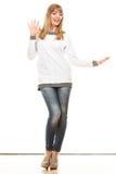 Blonde moderne Frau im weißen Hemd Stockbilder