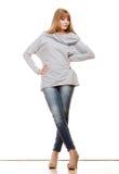 Blonde moderne Frau in voller Länge Stockbilder