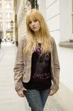 Blonde, mooie tiener Royalty-vrije Stock Foto's