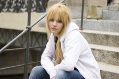 Blonde, mooie tiener Royalty-vrije Stock Afbeeldingen