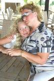 Blonde Mutter und Tochter Stockbilder