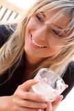 Blonde novo bonito na opinião do close up Fotografia de Stock