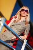 Blonde novo nas etapas. Imagem de Stock