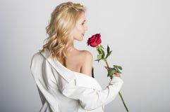 Blonde reizvolle Frau Lizenzfreie Stockbilder