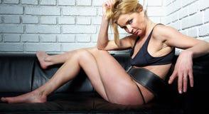 Blonde rijpe vrouw Stock Foto
