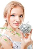 Blonde schöne Frau mit Apfel Lizenzfreie Stockbilder