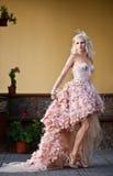 Blonde schöne Luxuxfrau Lizenzfreie Stockfotos