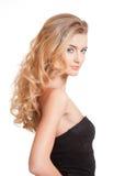 Blonde Schönheit mit dem erstaunlichen Haar Stockfoto
