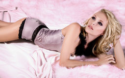 Blonde sedutor Foto de Stock Royalty Free