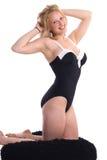 Blonde sexy nella posa del perno-in su immagine stock