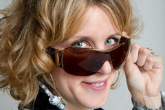 Blonde Sonnenbrillen Lizenzfreies Stockfoto