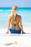 Blonde sulla spiaggia Fotografia Stock