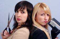 Blonde und Brunettefrauen Stockfotografie