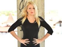 Blonde vorbildliche Frau Lizenzfreies Stockfoto